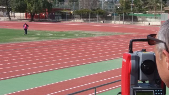 La pista de atletismo queda abierta al público después de su remodelación, Foto 3