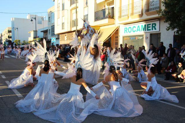 Más de 1.700 personas y 40 comparsas llenan de carnaval las calles de San Pedro del Pinatar - 4, Foto 4