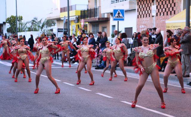 Más de 1.700 personas y 40 comparsas llenan de carnaval las calles de San Pedro del Pinatar - 5, Foto 5