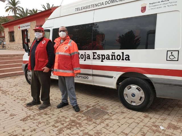 Transporte en Totana para facilitar vacunación a personas con reducción de movilidad, Foto 1
