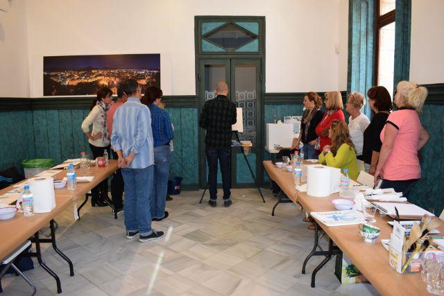 Nono García enseña a pintar con acuarelas en Casas Consistoriales, Foto 1