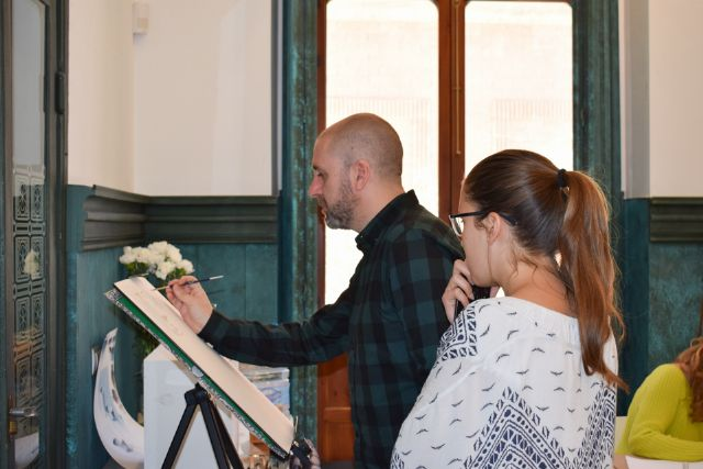 Nono García enseña a pintar con acuarelas en Casas Consistoriales, Foto 2