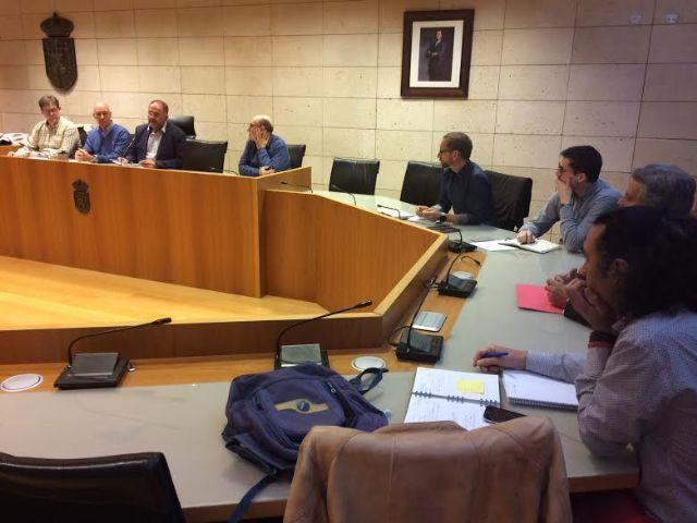 Se reúne, por vez primera en esta legislatura, la Mesa de Trabajo del Plan General Municipal de Ordenación, Foto 1