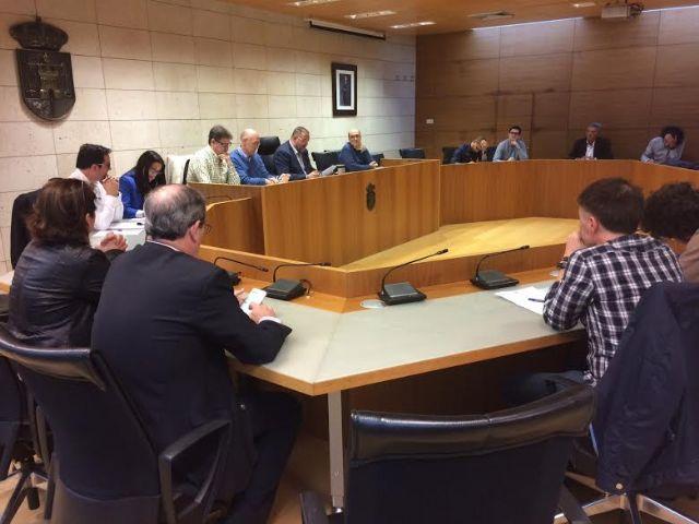 Se re�ne, por vez primera en esta legislatura, la Mesa de Trabajo del Plan General Municipal de Ordenaci�n, Foto 2
