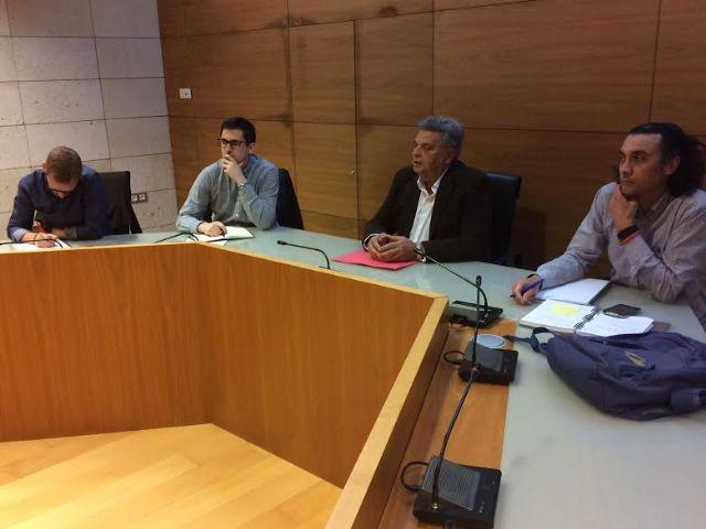 Se re�ne, por vez primera en esta legislatura, la Mesa de Trabajo del Plan General Municipal de Ordenaci�n, Foto 7