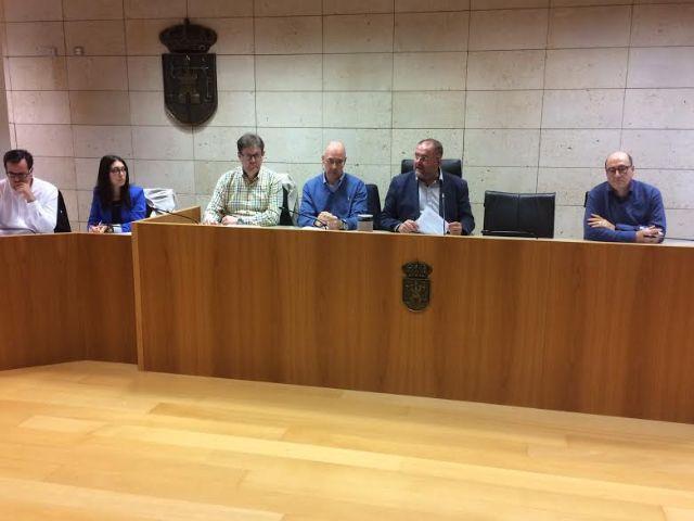 Se re�ne, por vez primera en esta legislatura, la Mesa de Trabajo del Plan General Municipal de Ordenaci�n, Foto 8