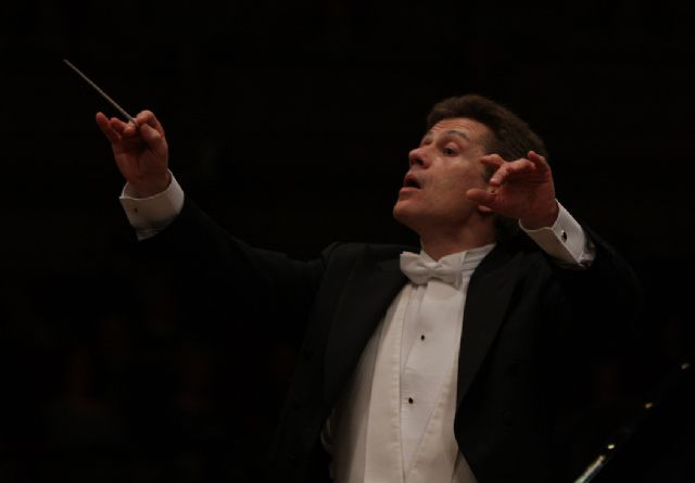 La Orquesta Sinfónica recibe al pianista Josu de Solaun y al director Christian Badea en un nuevo concierto en el Auditorio regional - 1, Foto 1