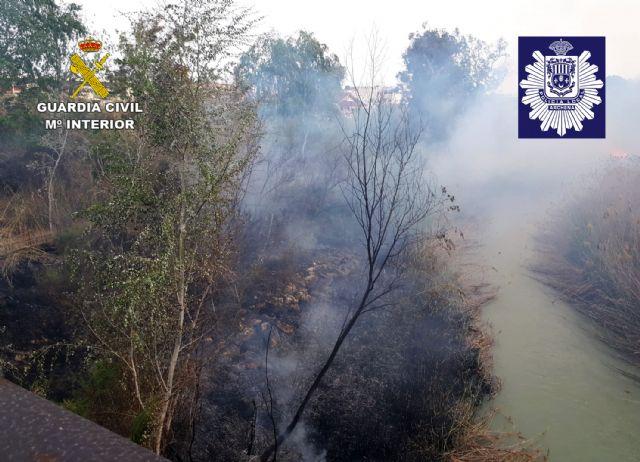 La Guardia Civil y la Policía Local de Archena esclarecen un incendio forestal provocado en la ribera del río Segura - 2, Foto 2