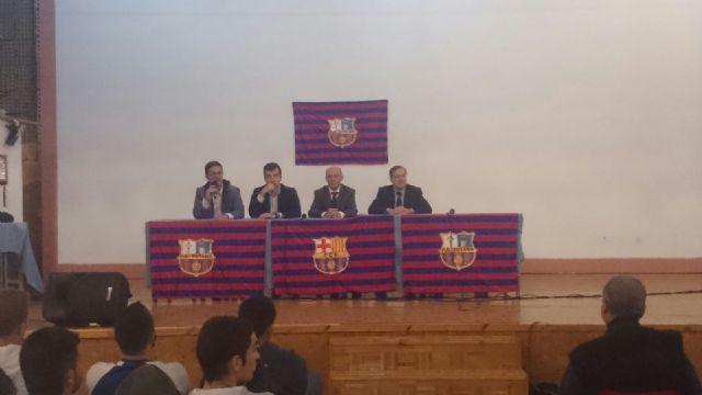 La fundación del FC Barcelona visita el Centro Penitenciario Murcia I, Foto 2