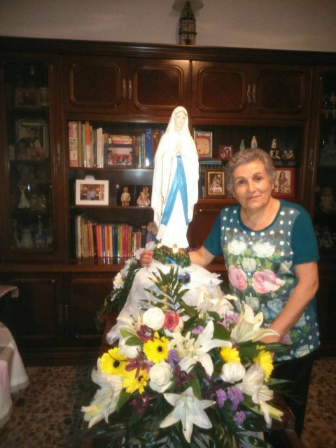 La delegaci�n de Lourdes de Totana celebra el Santo Rosario por las calles de Totana, Foto 3