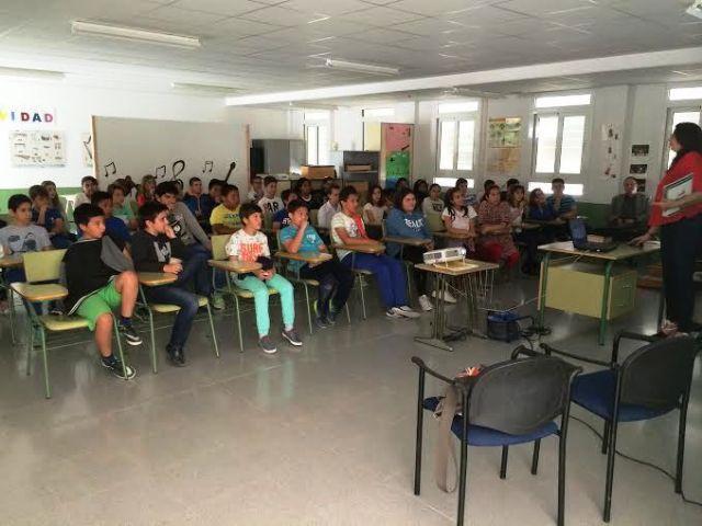 Comienzan las Jornadas de Concienciaci�n Escolar sobre la Tenencia de Animales de Compañ�a en el CEIP La Cruz, Foto 3