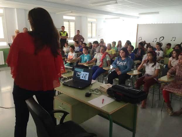 Comienzan las Jornadas de Concienciaci�n Escolar sobre la Tenencia de Animales de Compañ�a en el CEIP La Cruz, Foto 4