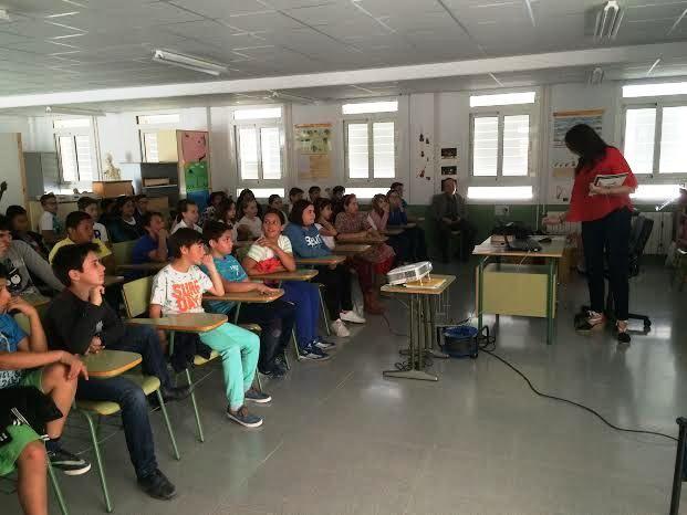 Comienzan las Jornadas de Concienciaci�n Escolar sobre la Tenencia de Animales de Compañ�a en el CEIP La Cruz, Foto 5