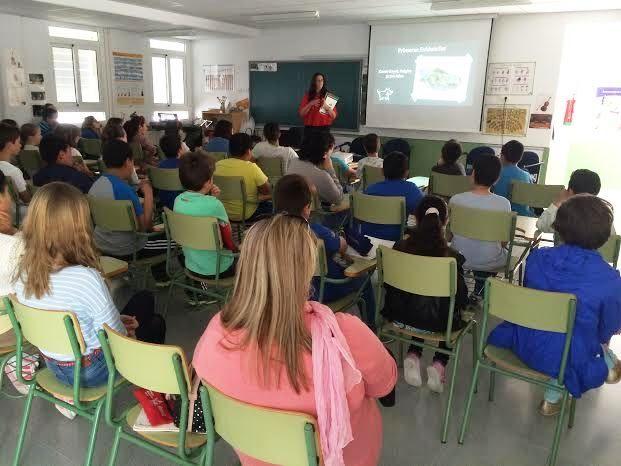 Comienzan las Jornadas de Concienciaci�n Escolar sobre la Tenencia de Animales de Compañ�a en el CEIP La Cruz, Foto 9