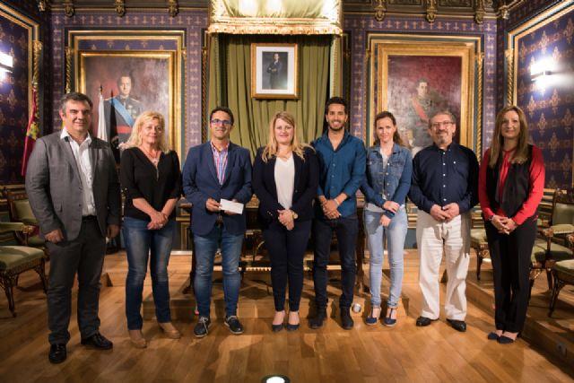La Federación Española de Enfermedades Raras recibe una subvención municipal de 2.000 euros, Foto 1