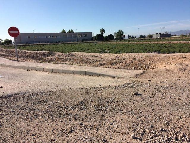 Sacarán a licitación el proyecto de acondicionamiento del vial que da salida al CEIP Luis Pérez Rueda, Foto 4