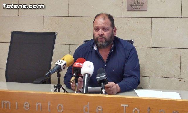 Carrillo pide la dimisión del portavoz de la Plataforma AVE Totana Fuerza Ciudadana por mal educado e incompetente, Foto 1