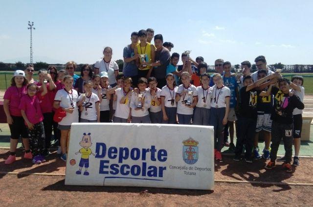La Fase Local de Atletismo de Deporte Escolar contó con la participación de 60 escolares pertenecientes a las categorías alevín, cadete y juvenil, Foto 1