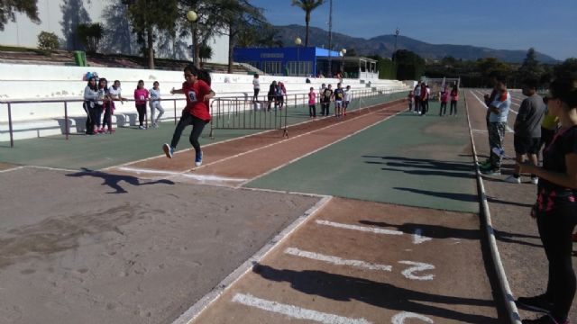 La Fase Local de Atletismo de Deporte Escolar contó con la participación de 60 escolares pertenecientes a las categorías alevín, cadete y juvenil, Foto 3
