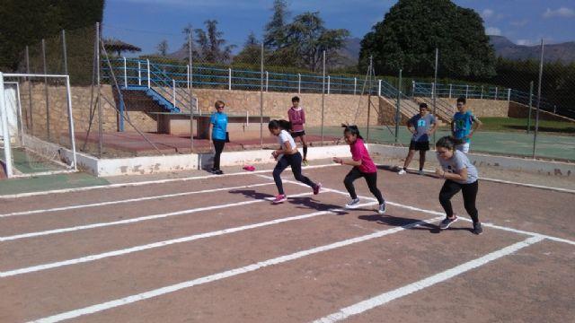 La Fase Local de Atletismo de Deporte Escolar contó con la participación de 60 escolares pertenecientes a las categorías alevín, cadete y juvenil, Foto 5