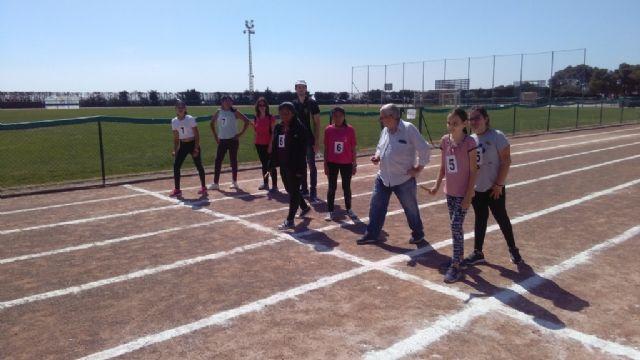 La Fase Local de Atletismo de Deporte Escolar contó con la participación de 60 escolares pertenecientes a las categorías alevín, cadete y juvenil, Foto 9
