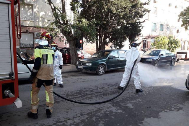 Ayuntamiento, Área II de Salud y responsables vecinales abordan medidas para contener el brote de Covid en Lo Campano - 1, Foto 1
