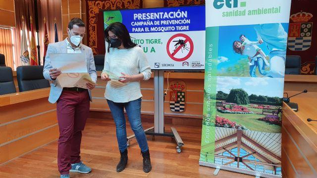 El Ayuntamiento de Molina de Segura promueve la nueva campaña de prevención AL MOSQUITO TIGRE, NI AGUA - 3, Foto 3