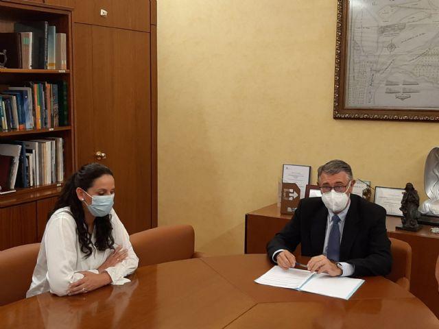 El Presidente de la CHS ha mantenido una reunión de trabajo con la Alcaldesa de Fuente Álamo - 1, Foto 1