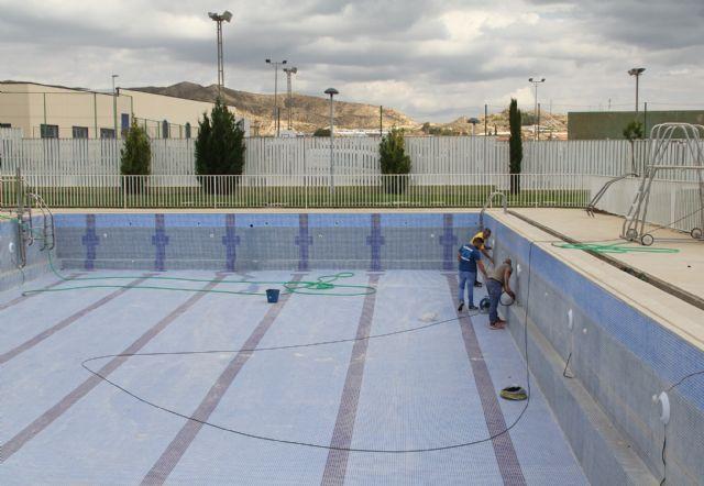 El Ayuntamiento de Puerto Lumbreras inicia la puesta a punto de las piscinas municipales de verano - 1, Foto 1