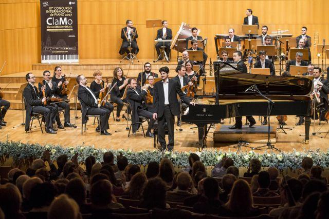 La Orquesta Sinfónica de la Región y el pianista griego Konstantinos Destounis interpretan a Beethoven en el Víctor Villegas - 1, Foto 1