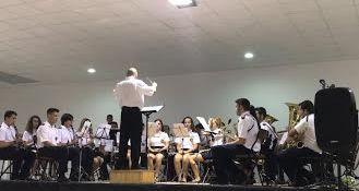 Autoridades municipales asisten al acto de clausura del curso escolar 2016/2017 de la Asociación de Amigos de la Música de El Paretón, Foto 4