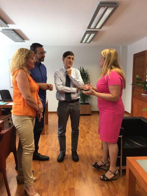 El consejero de Salud recibe a la alcaldesa de Mazarrón - 1, Foto 1