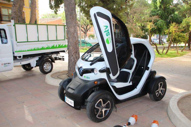 Nuevos vehículos y herramientas eléctricas para el cuidado de parques y jardines, Foto 3