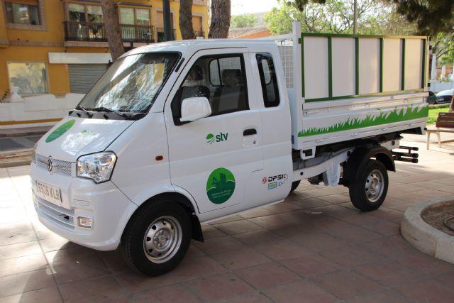 Nuevos vehículos y herramientas eléctricas para el cuidado de parques y jardines, Foto 4