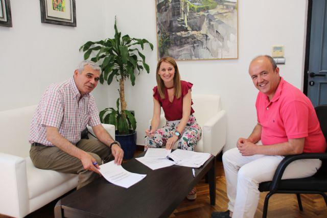 El Ayuntamiento renueva su acuerdo con la fundación Ntra. Sra. de los Desamparados para la cesión de los Huertos Ecológicos, Foto 1