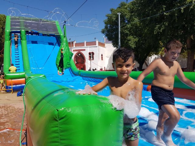 El programa de las fiestas patronales de Santiago 2019 arrancar� el 19 de julio con la actividad gratuita de Aventuras Infantiles con Hinchales en el recinto ferial, Foto 2
