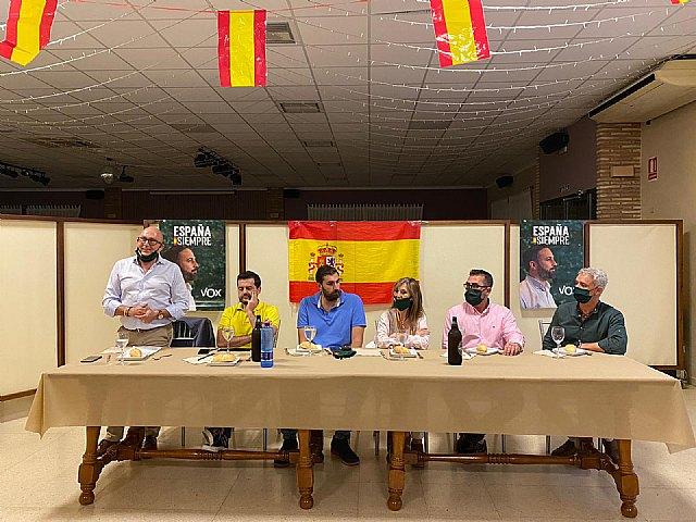 VOX Totana recibe la visita de Antelo, presidente provincial, acompañado del concejal Javier Clemente Sánchez y varios miembros del partido - 5, Foto 5