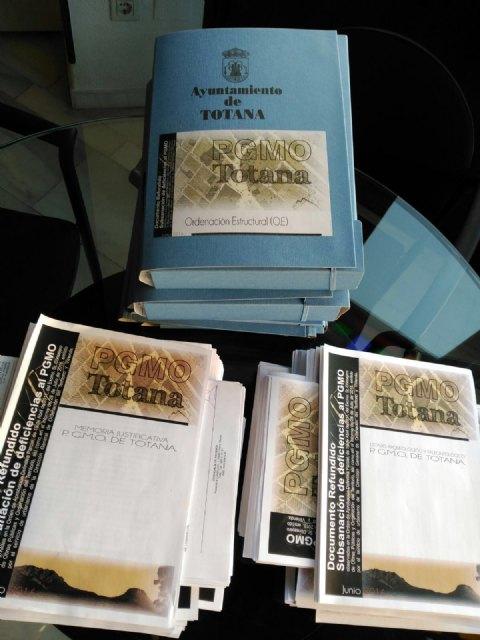 El Plan General de Ordenaci�n Urbana de Totana, aprobado en el Pleno de 28 de julio, preparado para enviar a la Consejer�a, Foto 3