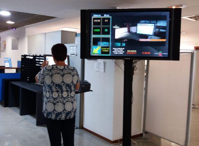 Las oficinas de atención presencial de la Comunidad gestionan más de 2.300 solicitudes diarias de ciudadanos y empresas, Foto 1