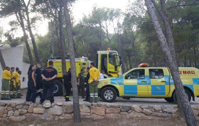 El alcalde conoce de primera mano los trabajos de prevención que realizan las brigadas forestales en Sierra Espuña, Foto 5