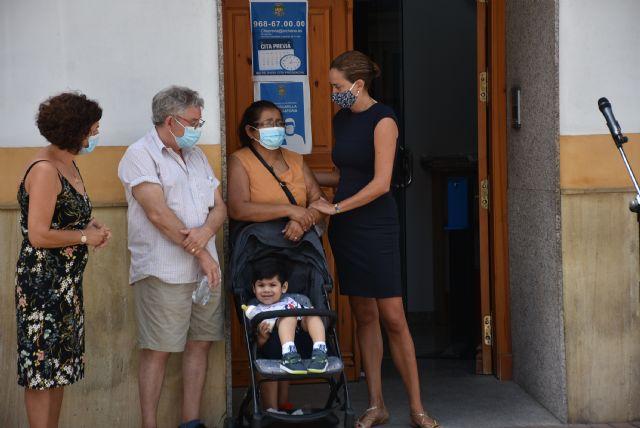 Concentración para condenar la violencia machista sufrida por una vecina de Archena este pasado fin de semana - 2, Foto 2