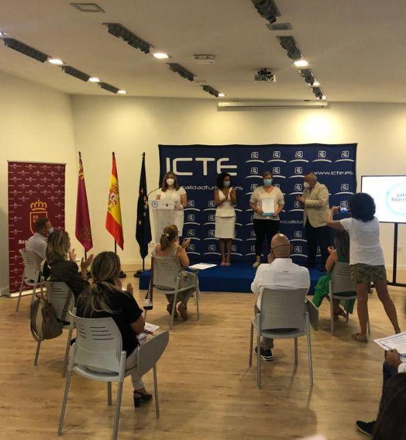 La Oficina de Turismo de Mazarrón recibe el certificado de calidad y seguridad frente a la COVID-19, Foto 2