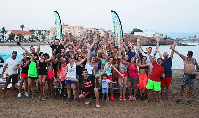 Move organizó una exhibición de Combat en las playas de Mazarrón, Foto 1