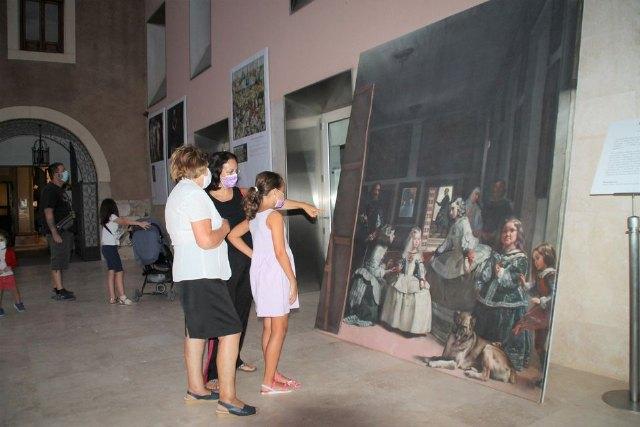 Velázquez, Goya, El Bosco y Sorolla en los exteriores de la biblioteca municipal - 1, Foto 1