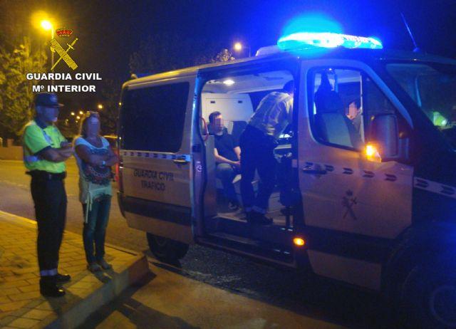 La Guardia Civil detiene a dos conductores por circular de modo temerario y bajo la influencia de alcohol y drogas, Foto 6