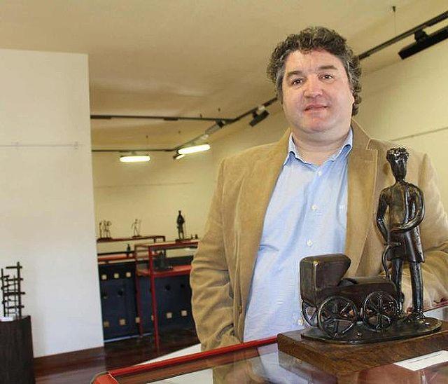 El polifacético artista asturiano Cesar Castaño presenta su obra escultórica en la Iglesia de San Francisco de Yecla - 1, Foto 1