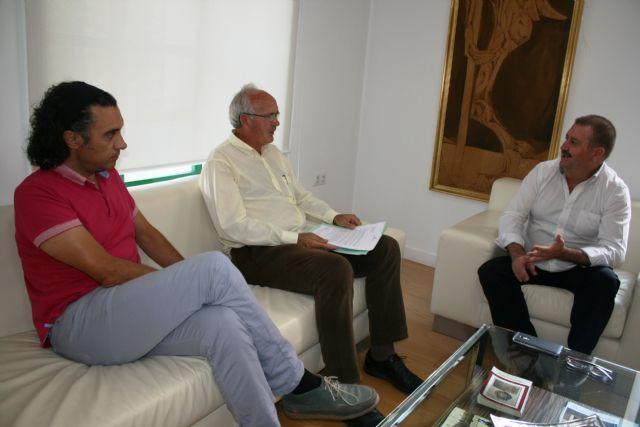 El alcalde se reúne con el presidente de la Fundación Savia por el Compromiso y los Valores, Foto 1