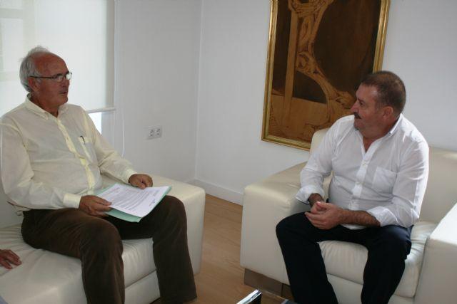 El alcalde se reúne con el presidente de la Fundación Savia por el Compromiso y los Valores, Foto 2