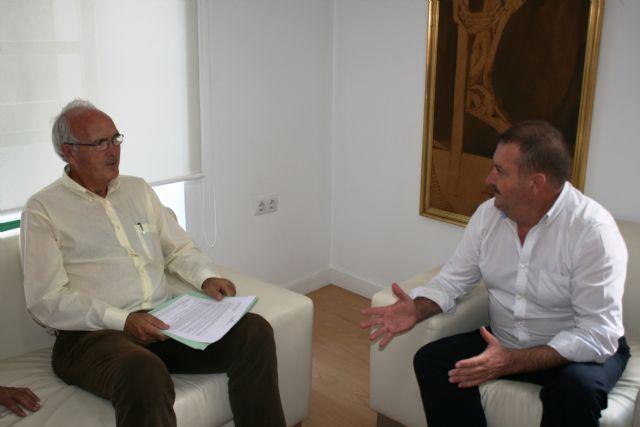 El alcalde se reúne con el presidente de la Fundación Savia por el Compromiso y los Valores, Foto 5