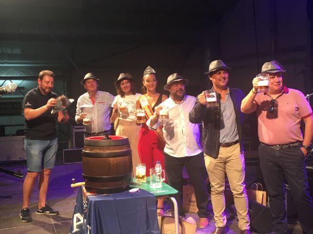 El Alcalde José Miguel Luengo abrió el primer barril del Oktoberfest San Javier 2019 - 2, Foto 2